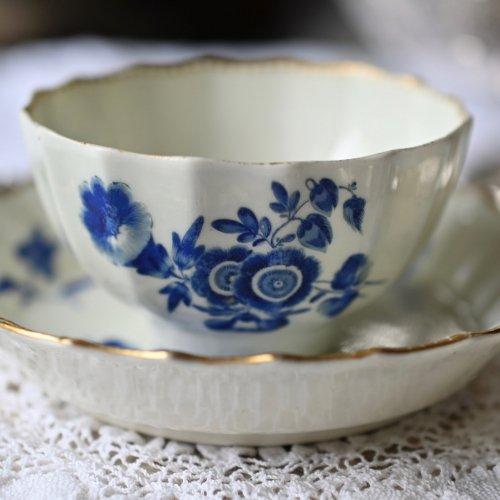 1700年代 ウスター・ドクターウォール期 ドライブルー・青いお花柄が美しく描かれたティーボウル&ソーサー(送料込)