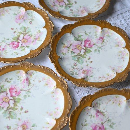 フランス・リモージュ ピンクの野ばら柄と黄金の縁飾りが華やかなデザートプレート5枚セット(送料込)