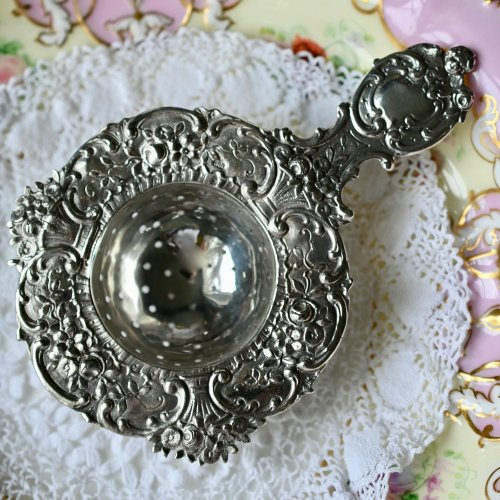 オランダ製シルバー お花と天使の装飾が華やかなティーストレイナー(送料込)