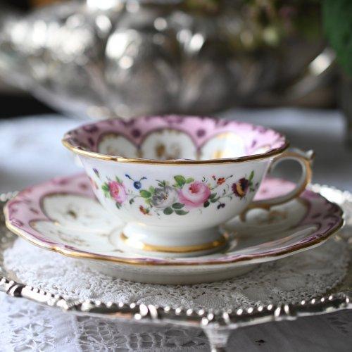 メーカー不明・フランス製・手描きのお花とピンク色とマルーン色の縁取りのカップ&ソーサー単品(送料込)