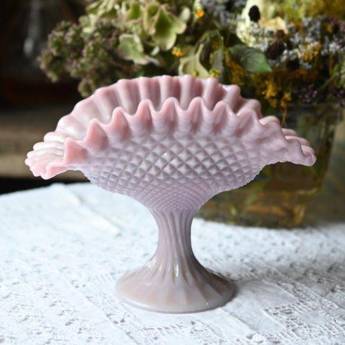 ヴィクトリア時代・貝殻のような形をしたスタンド付きミルクグラスベース(送料込)