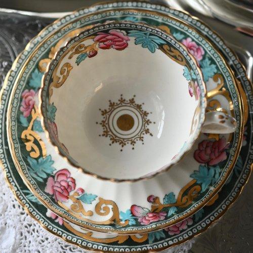 1890年代 ミントン オリエンタルなお花柄がシックなティーカップ トリオ(送料込)