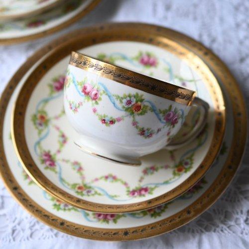 1830年代・ミントン ターコイズブルーのリボン柄のティーカップトリオ 2客ございます。(送料込)