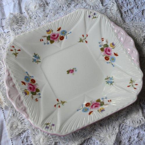 1945年-1966年 シェリー デインティシェイプ  ピンクエッジ 花柄 サンドイッチプレート (送料込)