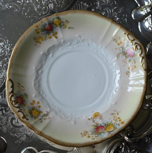 1890年代 アデレイ 白基調の金彩で縁取られた落ち着いた花柄のサンドイッチプレート (送料込)