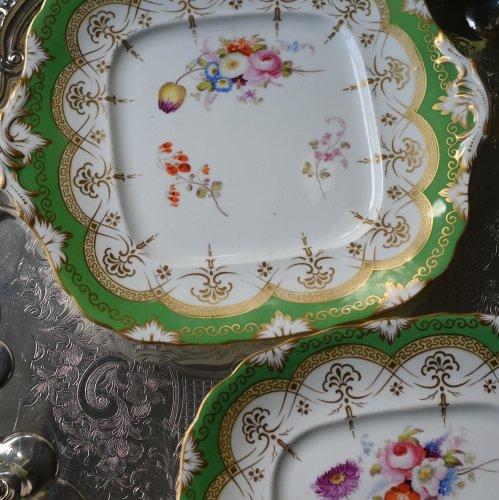 1840年代 サミュエルオールコック 金彩と黄緑色と手描きのお花が爽やかなサンドイッチプレート(送料込)