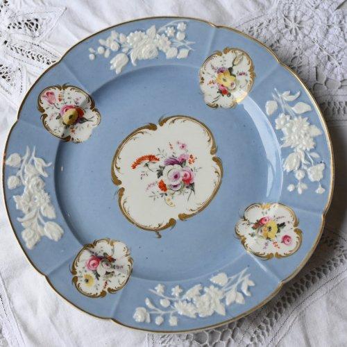 1820年代 スポード・金彩と花模様に淡いブルーと白を基調としたデザートプレート(送料込)