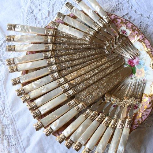 エドウォーディアン・シルバープレート製・白蝶貝ハンドル リボンと花束模様のティーナイフ&フォーク各12本セット 木箱入り(送料込)
