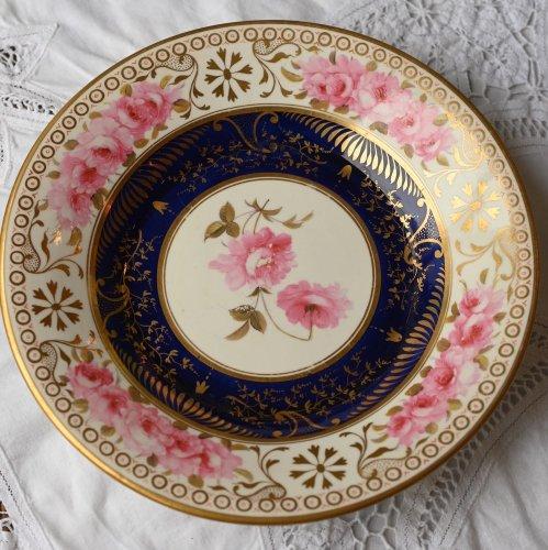 1820年代 金彩とコバルトブルーとピンクの連なるバラがゴージャスなデザートプレート(送料込)