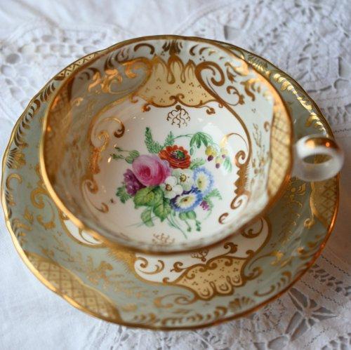 1840年代 ロココスタイルが華やかなティーカップ&ソーサー デュオ(送料込)