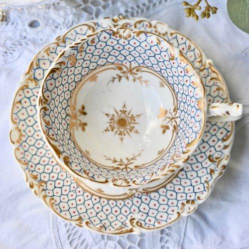 1830年代 メーカー不明 ブルーの細かな幾何学模様のティーカップ&ソーサー(送料込)