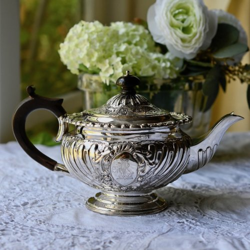 1893年・アルバートHトムソン バラのお花柄が華やかなスターリングシルバー製バチェラーティーサービス  (送料込)