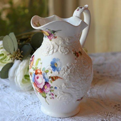 1840年代・エンボス柄の花柄と手描きのブーケ模様が美しいジャグ(送料込)