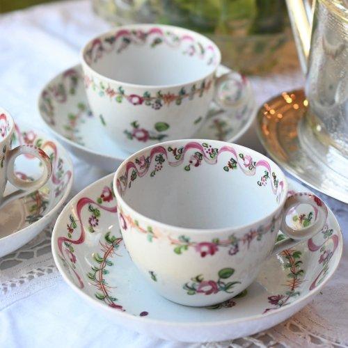 1790年代 ニューホール ピンクのリボンと花柄が可愛らしいティーカップ&ソーサー デュオ 2客ございます (送料込)
