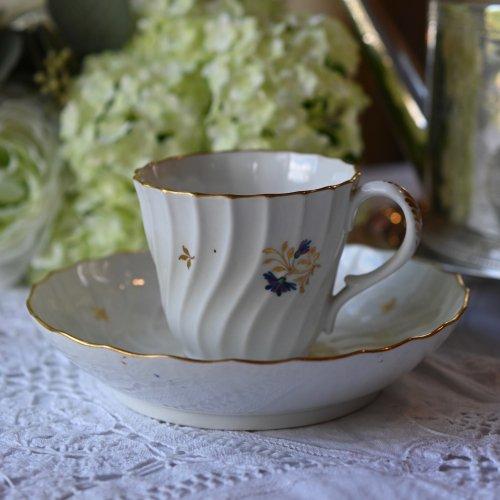 1790年代・ウースター フライト&バー期 フルーテッドシェイプが上品なコーンフラワー柄のコーヒーカップ &ソーサー(送料込)