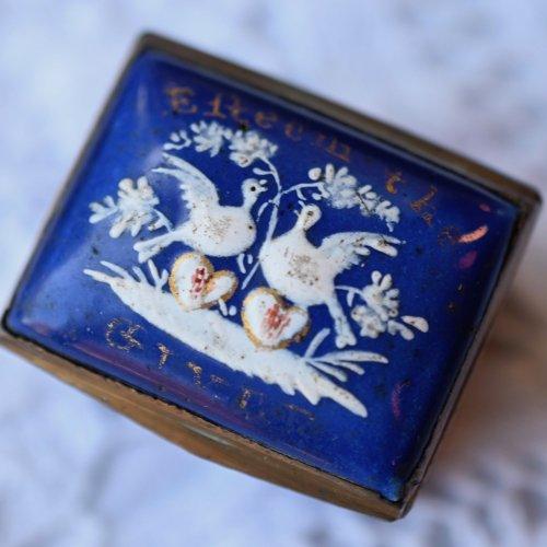 18世紀・ビルストン ペアの鳩の絵柄のエナメル・小さなパッチボックス(送料込)