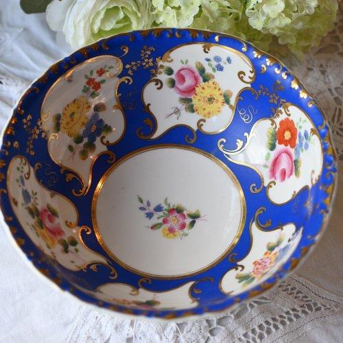 ミントン・鮮やかな青い色と手描きのお花の珍しいスロップボール(送料込)