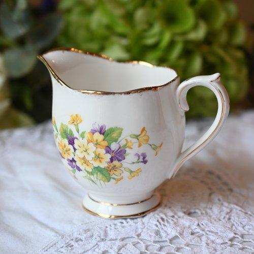 1940年代・ロイヤルアルバート・プリムローズのお花の可愛らしいミルクジャグ(送料込)