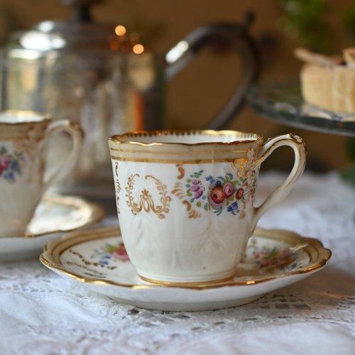 1850年代 リッジウェイ クリーム色のコーヒーカップ デュオ 在庫2客ございます。(送料込)