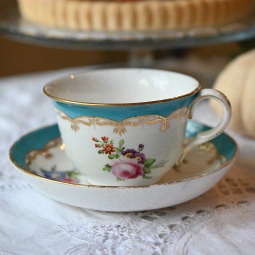 1820年代 鮮やかなミントンブルーと金彩と手描きのブーケのティーカップ&ソーサー(送料込)