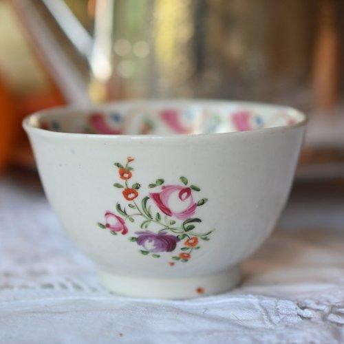 1790年代・手描きの波模様と小花柄が可愛いティーボウル(送料込)