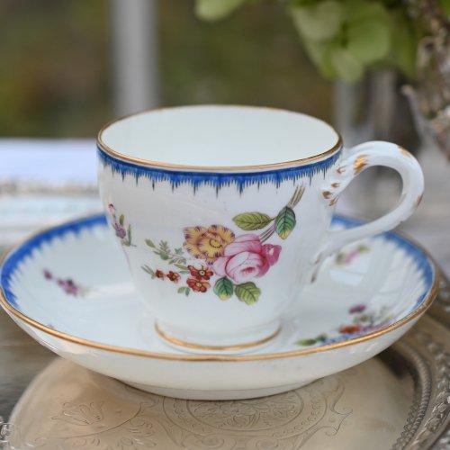 1860年代・ミントン ・ブルーのコーム柄と繊細な手描きのお花柄がきれいなコーヒーカップ&ソーサー デュオ(送料込)