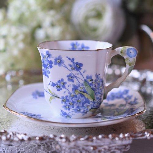 ロイヤルスタッフォード・忘れな草のお花がついたハンドルが清楚なコーヒーカップデュオ(送料込)