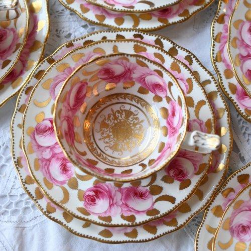 ニューチェルシー ピンクのバラと金彩が美しいヴィンテージ ティーカップトリオ 5客ございます(送料込)