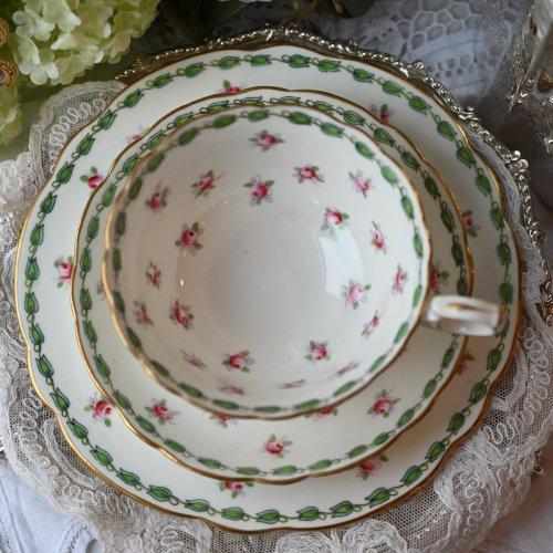 エドワード時代・ハマースレイ チューリップ柄のボーダーと小さな薔薇模様が可愛いティーカップ トリオ(送料込)