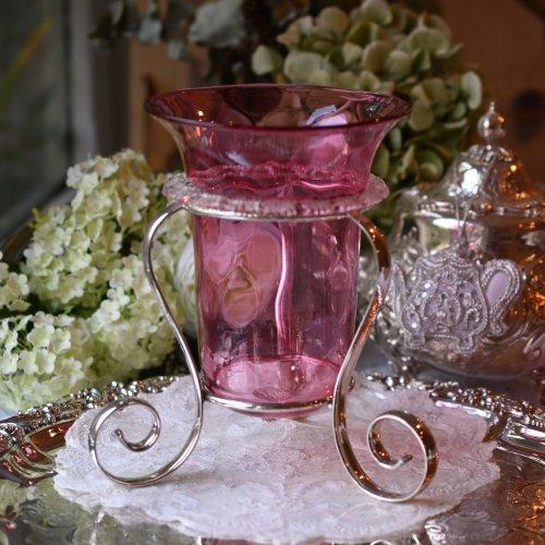 ビクトリア時代 フリル飾りのついた可愛いらしいクランベリーグラスのフラワースタンド(送料込)