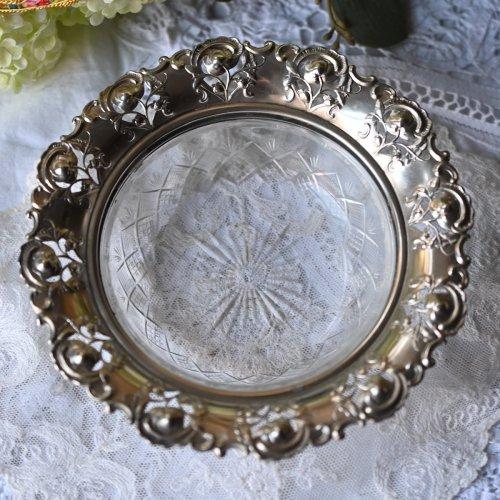 1920年代フランス製 バラの透かし柄がキレイなカットグラスのボンボンディッシュ (送料込)