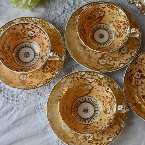 1840年代 リッジウェイ ・アプリコットカラーと鍵盤模様のような金彩が美しい ティーカップ&ソーサー (送料込)