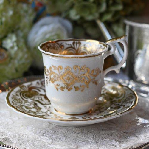 1820年代・スポード ホワイト&ゴールド 洗練されたデザインが華やかなコーヒーカップデュオ(送料込み)