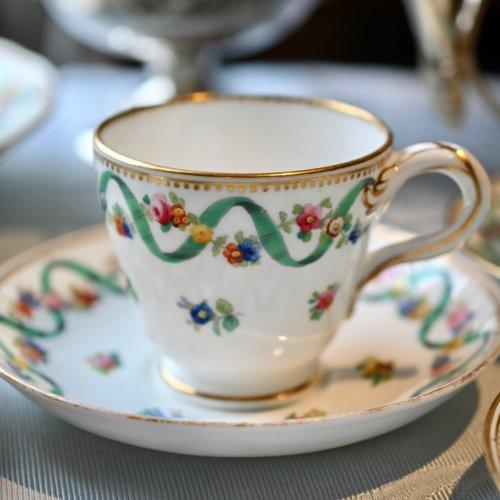 ミントン エメラルドグリーンのリボンと小花柄が可愛らしいコーヒーカップ&ソーサー(送料込)