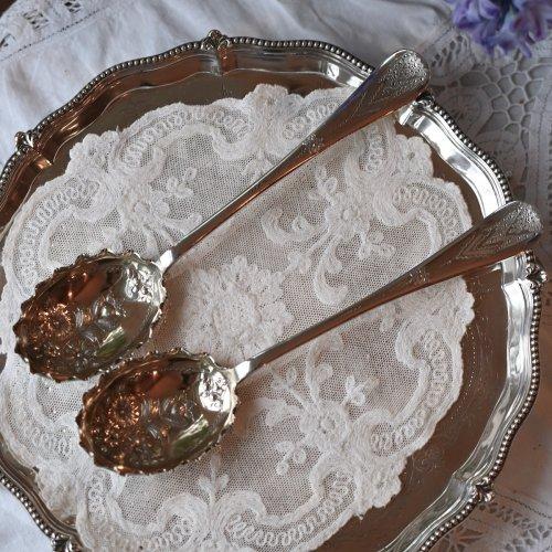 1910年代 ウォーカー&ホール 花柄の打ち出し細工が豪華なベリースプーン 2本セット (送料込)