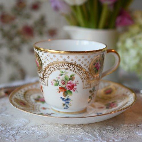 ヴィクトリア時代 ミントン 金彩と手描きの小さなお花が可愛らしいカップ&ソーサー(送料込)