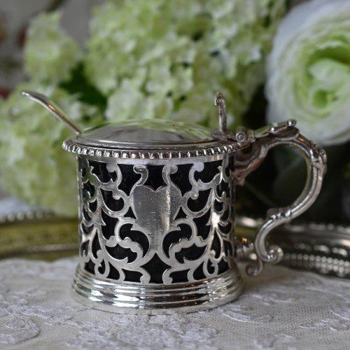 シルバープレート製・1860年代 透かし細工とコバルトガラスのマスタードポット 小さなスプーン付き(送料込)