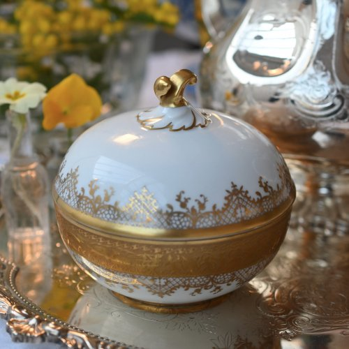 1950年代 ドイツ カールスバート DW ポーセリン アシッドゴールド装飾が美しい蓋付きチョコレートポット(送料込)