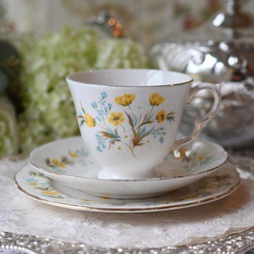 1930年代  コルクロフ・ バターカップのお花柄のティーカップ トリオ (送料込)