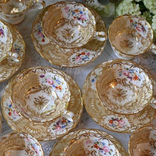 1830年代 コールポートアデレードシェイプ 金彩が輝くトゥルートリオ6客とサンドイッチプレートの19点セット (送料込)