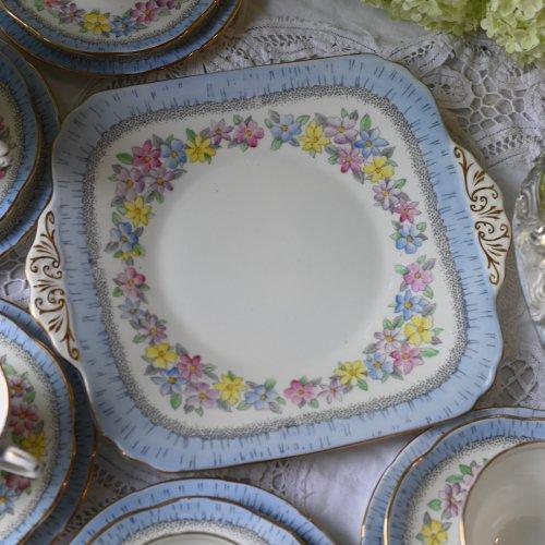 Eブレイン・フォリー 爽やかなブルーのリムとお花柄のサンドウィッチプレート(送料込)