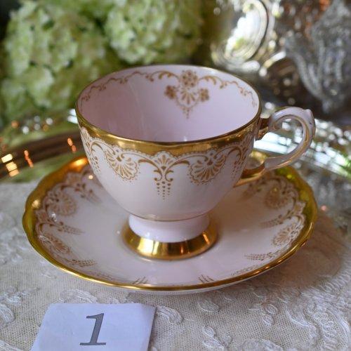 1960年代・トスカンチャイナ 淡いピンク色と金彩のティーカップデュオ 単品 (送料込)