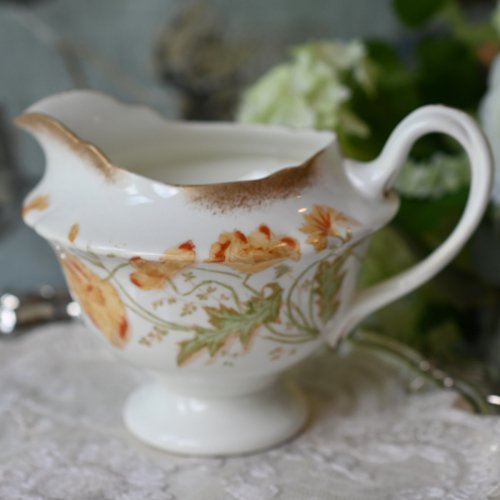ワイルマン・フォリーチャイナ ブラッシュ金彩とオレンジ色のポピー柄のミルクジャグ (送料込)