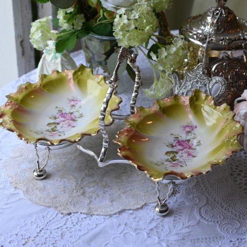 シルバープレート製のスタンド&お花をモチーフにしたオーバルシェイプのライムグリーンダブルディッシュ(送料込)