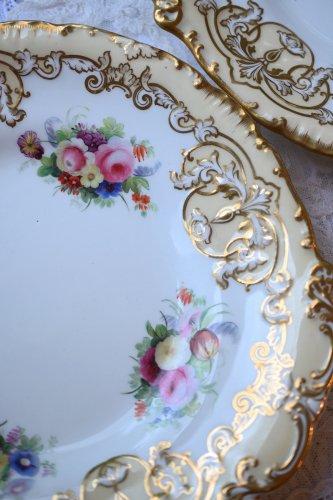 (お買い得)コープランドギャレット 手描きのブーケ模様と金彩が美しいサンドイッチプレート 単品 2枚ございます。(送料込)