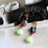 Lemon Chrysopraseのピアス -glitt Handmade-