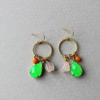 ネオンカラーと天然石のピアス/グリーン -glitt Handmade-