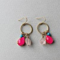 ネオンカラーと天然石のピアス/ピンク -glitt Handmade-