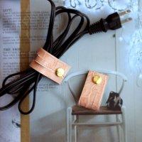 レザーコードホルダー(M)フラミンゴピンク/ケーブルホルダー ケーブルクリップ -glitt Handmade-