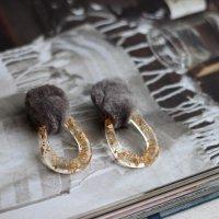 ムートンとクリアリングのピアス(チタンピアス) -glitt Handmade-